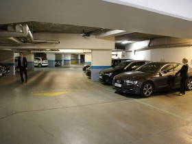 Parking Pour une voiture (1 place) - Parkings