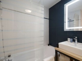studio hotel 2 personnes double salle de bain lille euralille - Double T1 SUP - Chambre day use
