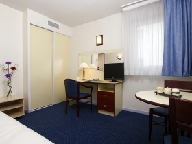 studio hotel 2 personnes double bureau montpellier saint roch - Double T1 SUP - Chambre day use