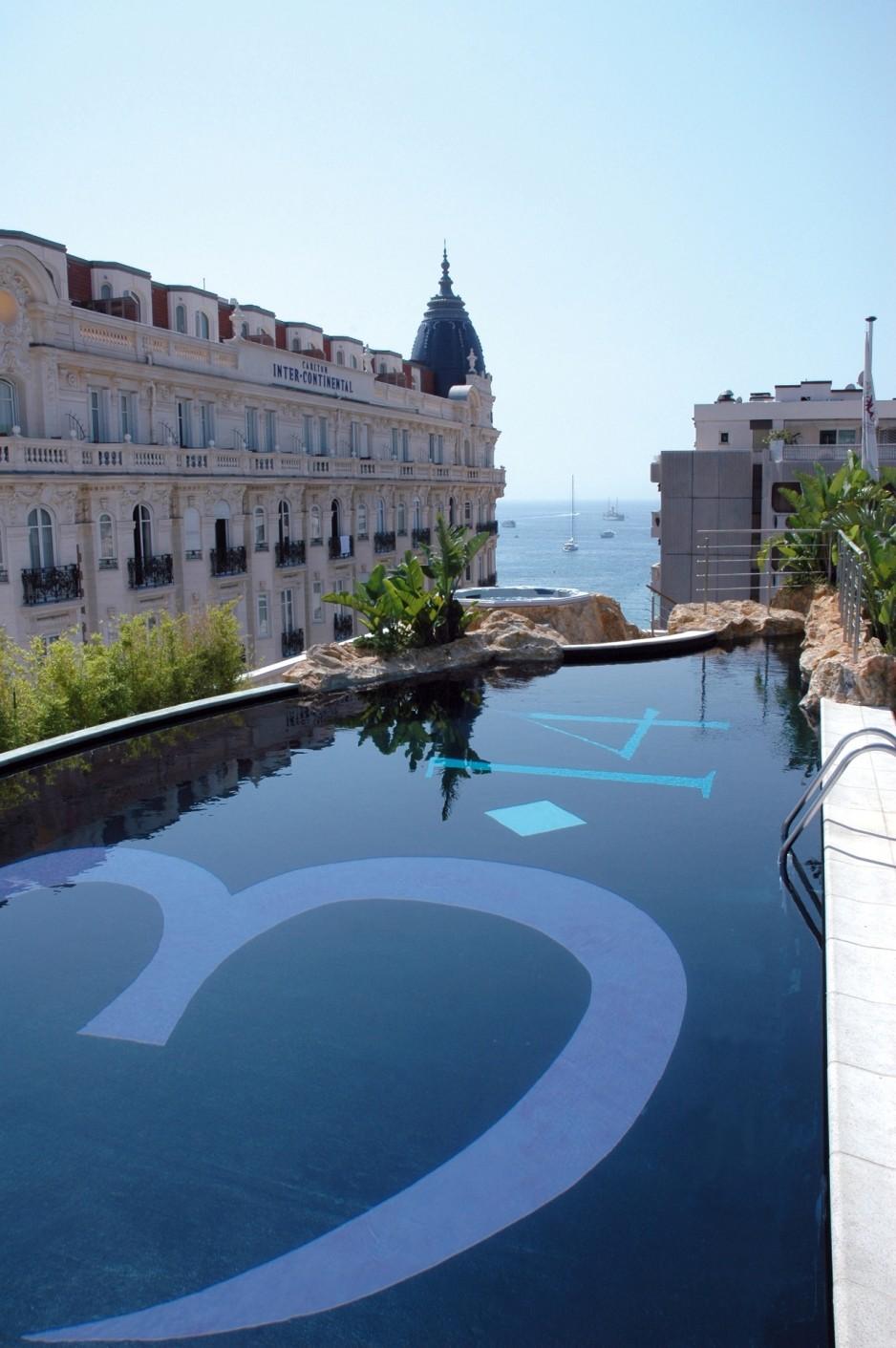 H tel journ e cannes h tel cannes r servez un day - Hotel nice piscine sur le toit ...