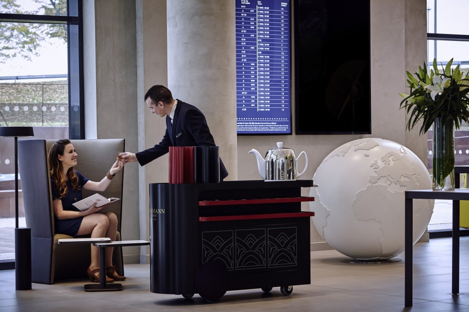 Lobby welcomer - Paris Roissy CDG