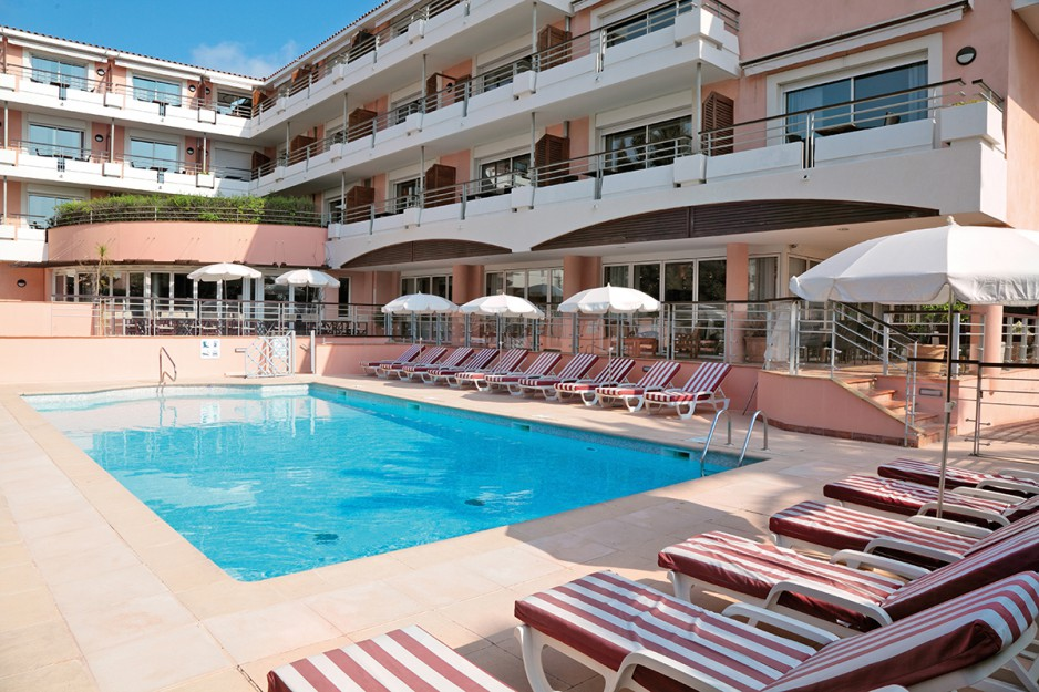 H tel journ e cannes appart 39 city cannes le cannet for Hotel ou appart hotel