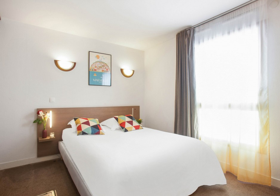 H tel journ e marseille appart 39 city marseille euromed for Appart hotel 4 personnes