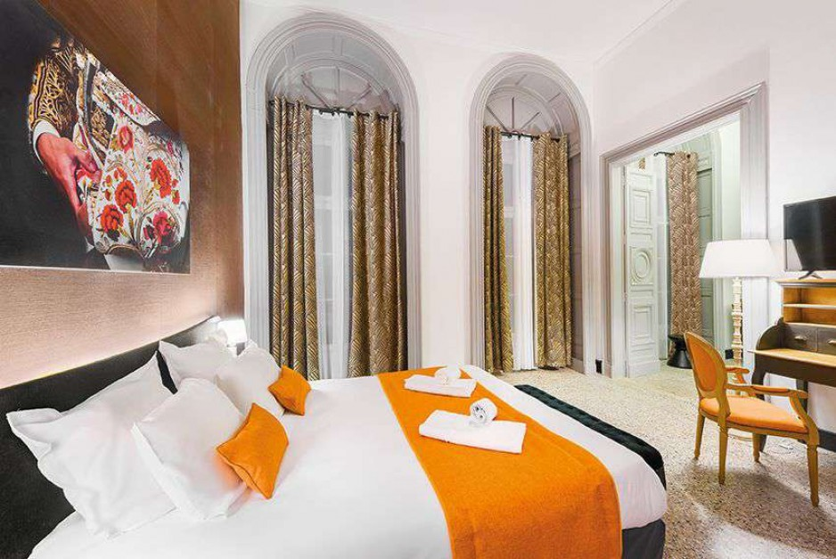 Day room hotel n mes appart 39 city nimes arenes hotel for Appart hotel nimes