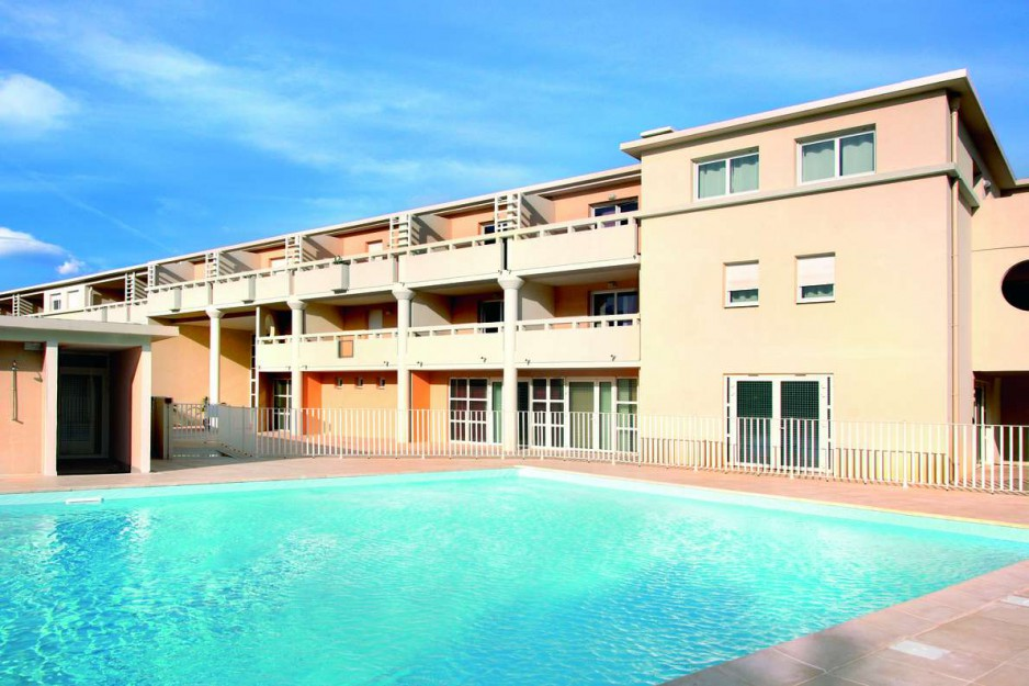 H tel journ e toulon appart 39 city toulon six fours les for Appart hotel 4 personnes