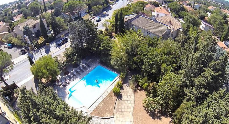 H tel journ e avignon h tel roques r servez un day use for Hotel avignon piscine