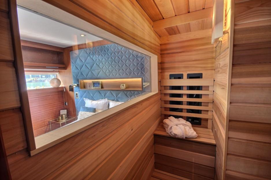 H tel journ e paris 12 gare de lyon bercy vip paris for Hotel jacuzzi ile de france