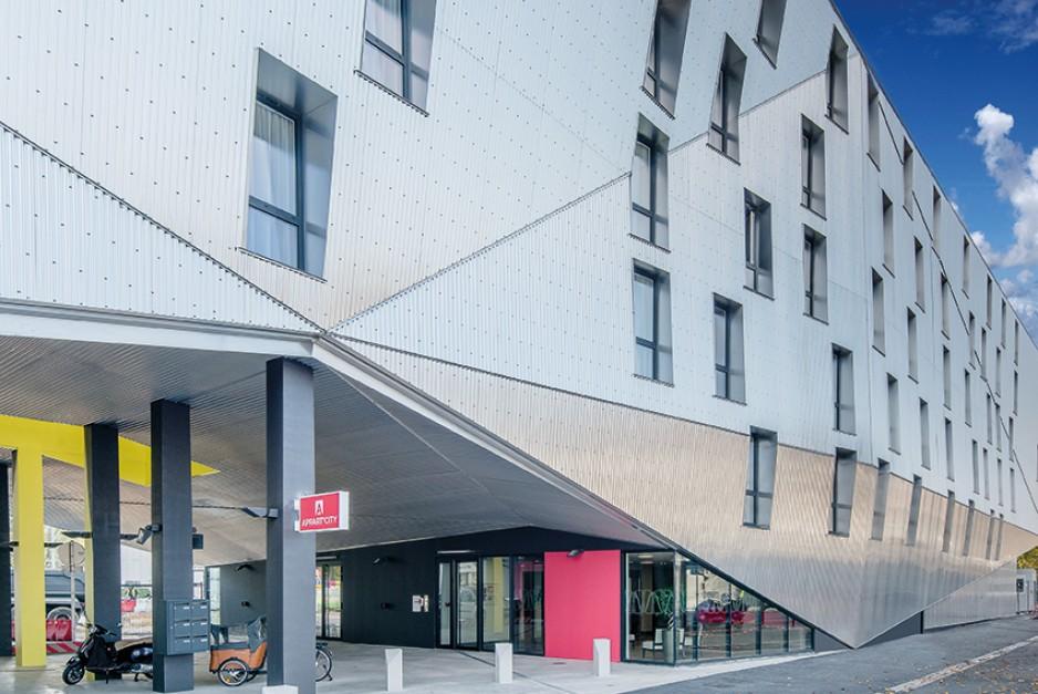 H tel journ e bordeaux appart 39 city bordeaux centre for Hotel design centre france