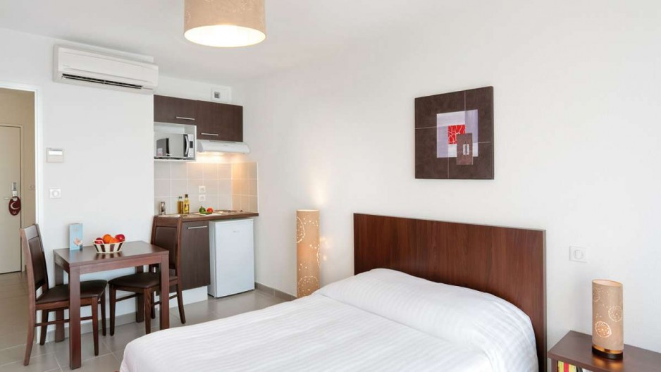 H tel journ e dijon appart 39 city dijon ahuy r servez un for Appart hotel 4 personnes