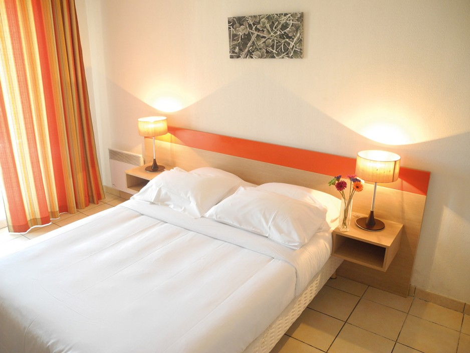Hotel appart city aix en provence roomforday for Appart hotel fuveau