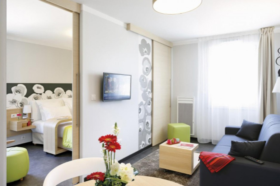 hotel appart city reims roomforday. Black Bedroom Furniture Sets. Home Design Ideas