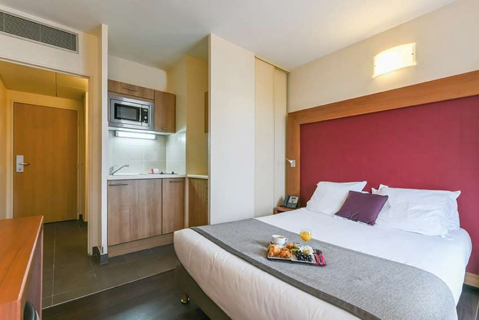 H tel journ e paris 13 me place d 39 italie gare d for Appart hotel en france