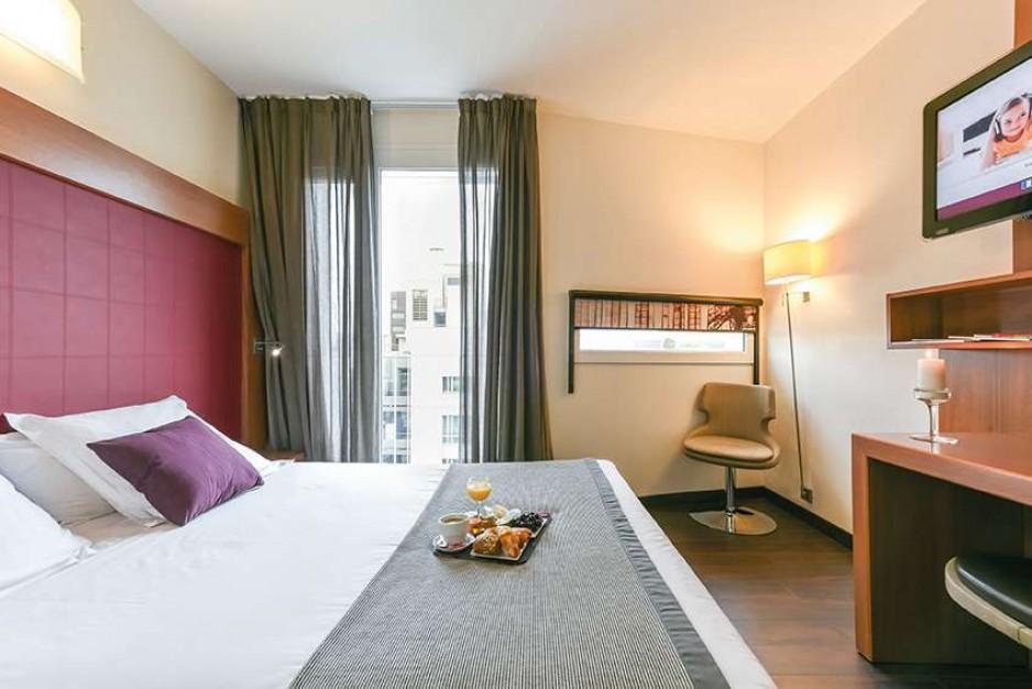 H tel journ e paris 13 me place d 39 italie gare d for Appart hotel 0 paris