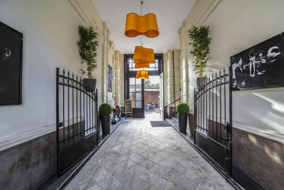 Best Western Premier Why Hotel Lille Parking