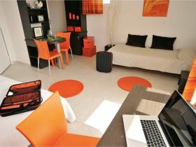 chambre l 39 heure ou pour la journ e thonon les bains roomforday. Black Bedroom Furniture Sets. Home Design Ideas