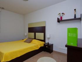 chambre l 39 heure ou pour la journ e toulon roomforday. Black Bedroom Furniture Sets. Home Design Ideas