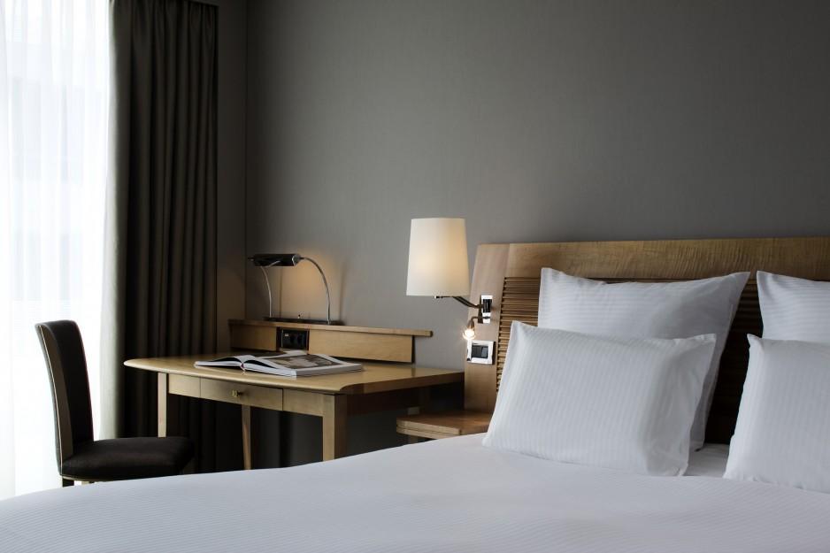 chambre l 39 heure ou pour la journ e paris roomforday. Black Bedroom Furniture Sets. Home Design Ideas