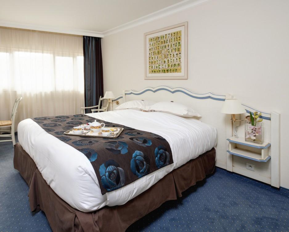 Chambre l 39 heure ou pour la journ e cannes roomforday for Hotel al heure liege