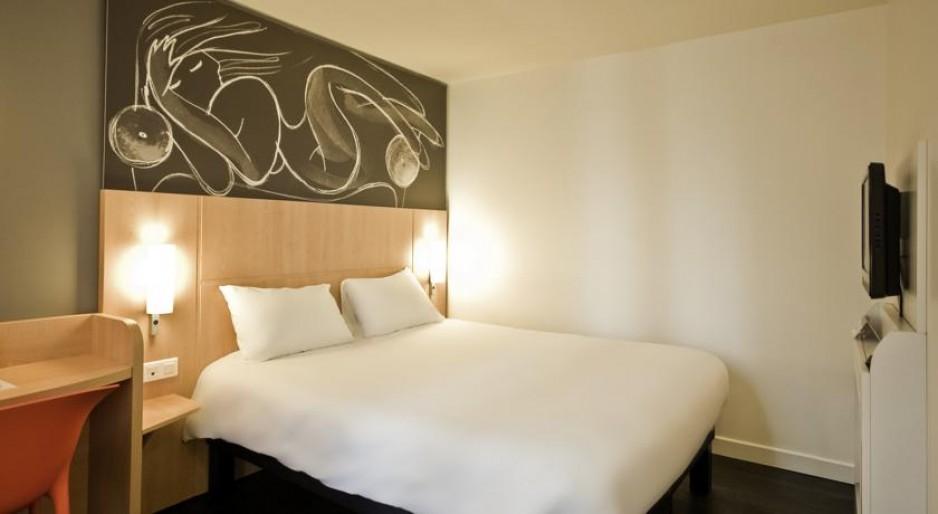 h tel journ e paris 13 place d 39 italie gare d. Black Bedroom Furniture Sets. Home Design Ideas