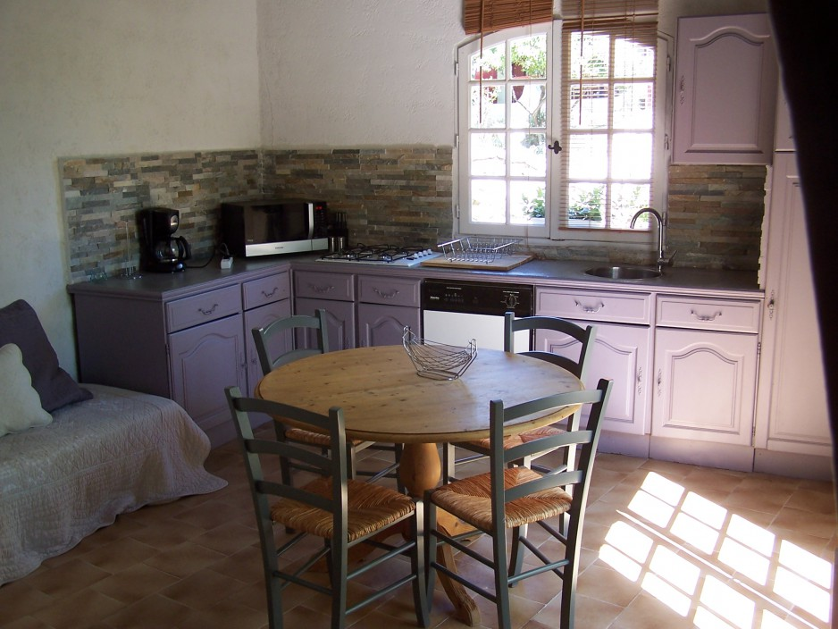 h tel journ e al s la bastide des muriers r servez un day use avec roomforday. Black Bedroom Furniture Sets. Home Design Ideas