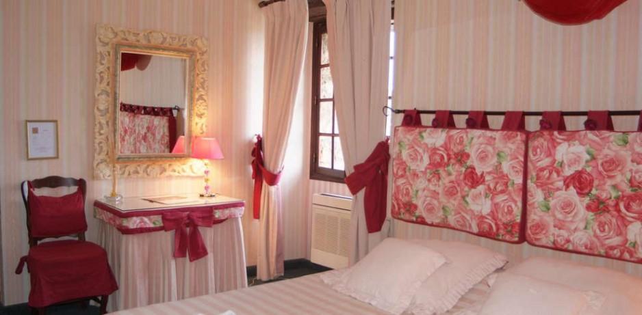 h tel journ e draguignan le logis du guetteur r servez un day use avec roomforday. Black Bedroom Furniture Sets. Home Design Ideas
