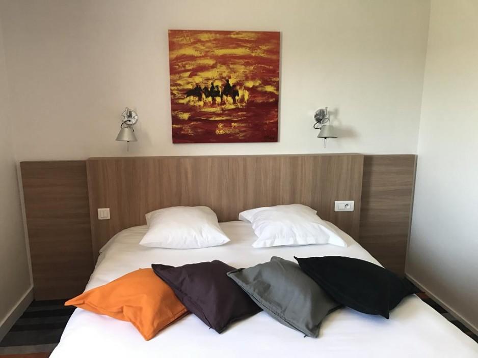 love room agen tageshotels. Black Bedroom Furniture Sets. Home Design Ideas