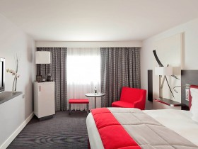 day room Roissy CDG