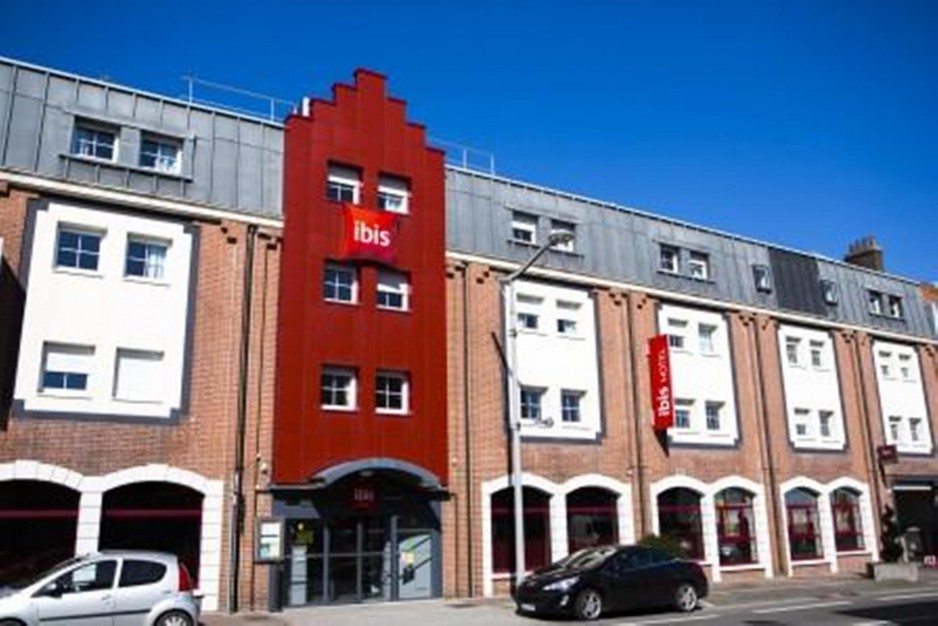 Parking lille roomforday for Appart hotel ibis
