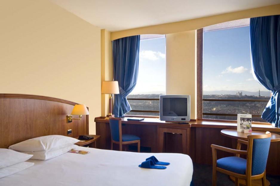 H tel journ e lyon radisson blu lyon r servez un day - Hotel lyon chambre 4 personnes ...