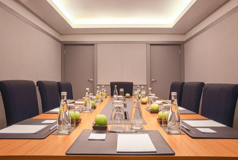 Salles de r union paris roomforday for Equipement salle restaurant